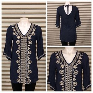 Andrée blue top with white embellishment size S